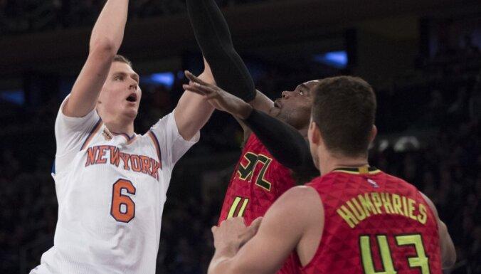 Porziņģis uzteic 'Knicks' komandas sniegumu abās laukuma pusēs