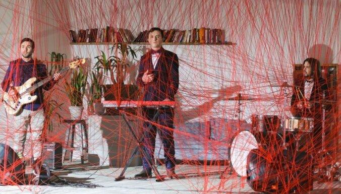 Noskaties! Grupas 'Sigma' videoklips dziesmai 'Sazaroto taku dārzs'