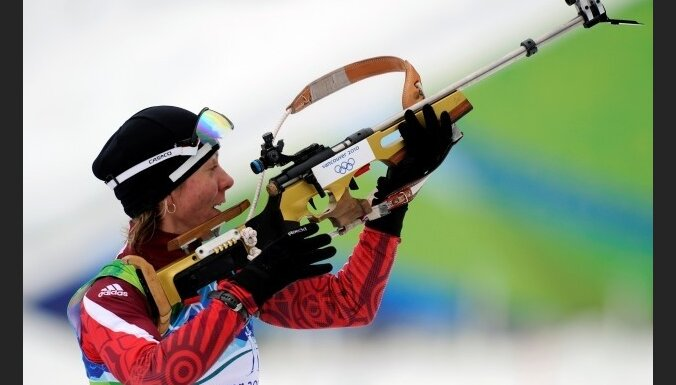 Bergere atnes Norvēģijai 100.zeltu Ziemas olimpiskajās spēlēs; Līdumai tikai 67.vieta