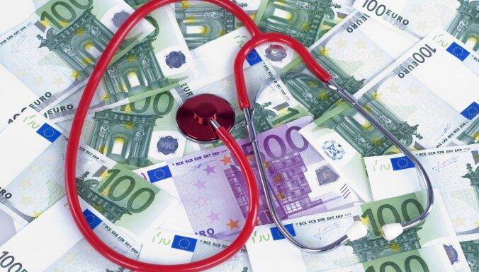 Врач получает 39 тысяч евро в месяц, работая одновременно в частном и государственном секторе