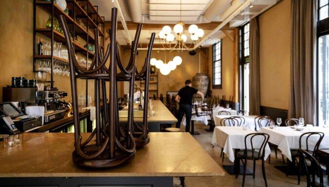 Francijā ministri apsūdzēti par pusdienošanu slepenos restorānos
