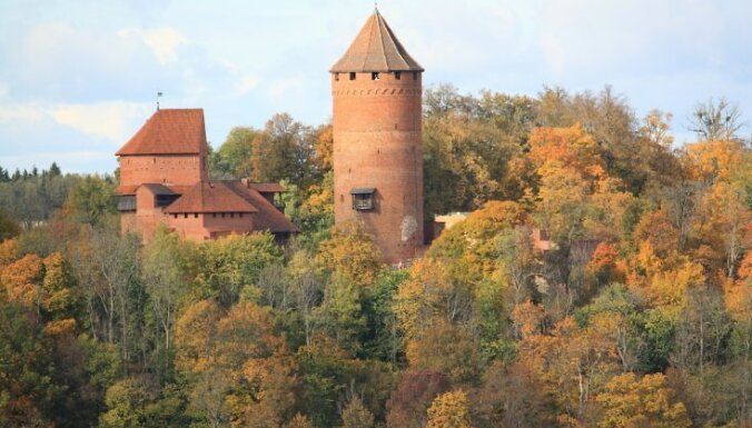 Turaidas pils tornī notiks skrējiens 'Ātrākais ziņnesis'