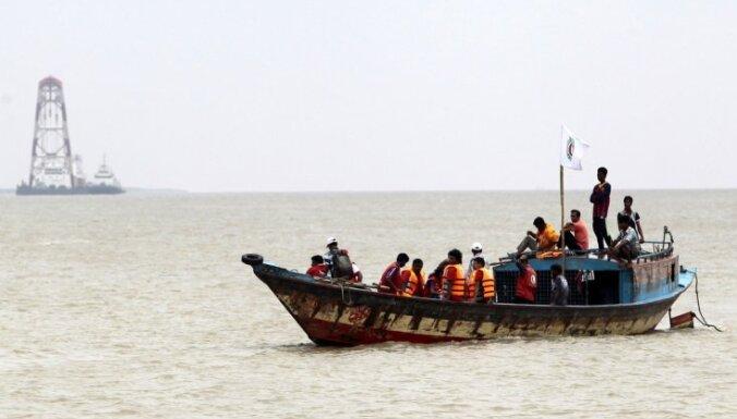 После крушения парома в Бангладеш есть погибшие