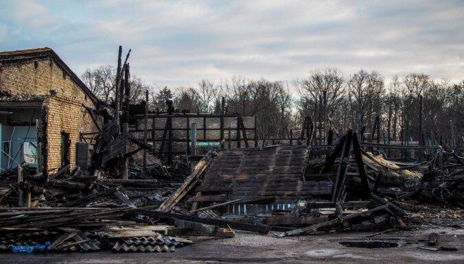 Пожарные отчитались о работе в выходные: случай на Андрейсале и еще 36 пожаров