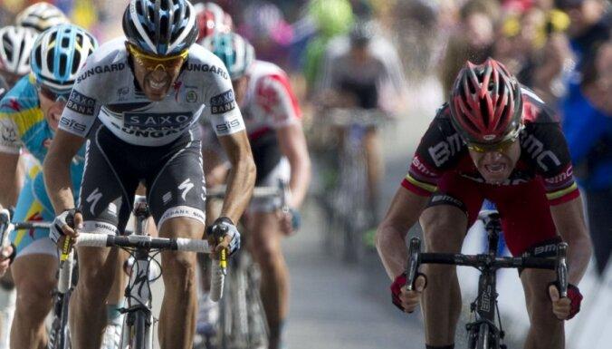 Evanss praktiski nodrošina uzvaru 'Tour de France' kopvērtējumā