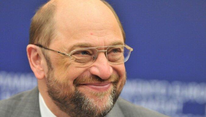 Шульц поблагодарил Латвию за участие в решении проблемы беженцев