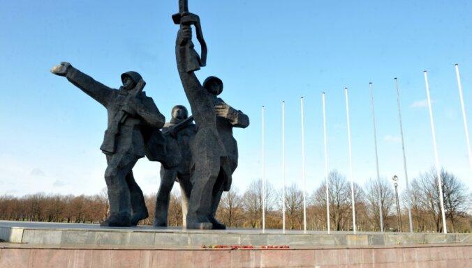 20. novembris vēsturē: Latvijā atklāj pirmo kolhozu