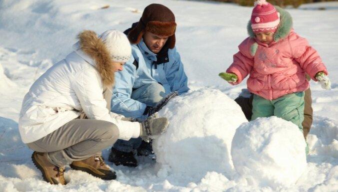 Местами в Латвии лежат сугробы до 54 см