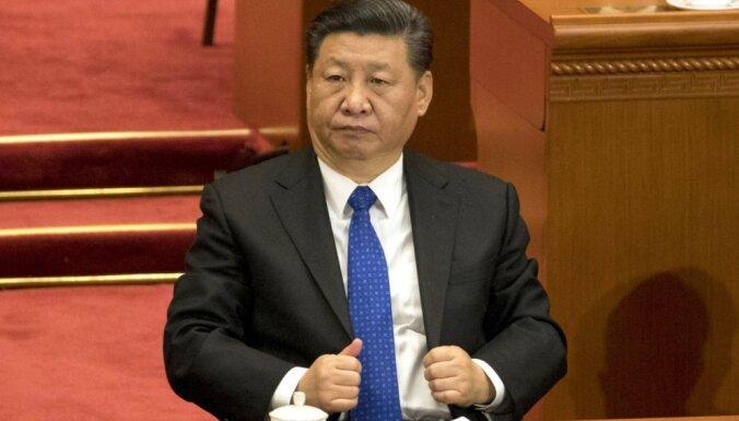 Си Цзиньпина переизбрали главой Китая, удалив из зала журналистов