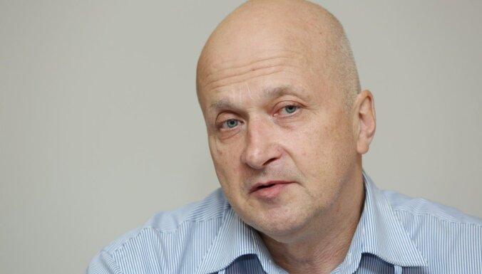 Aizdomās par slepkavības organizēšanu apcietināts uzņēmējs Igors Ivanovs, ziņo Latvijas Televīzija