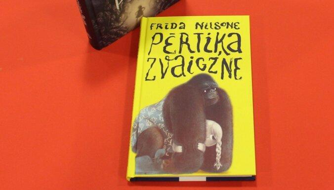 Izdota zviedru rakstnieces Frīdas Nilsones grāmata bērniem 'Pērtiķa zvaigzne'
