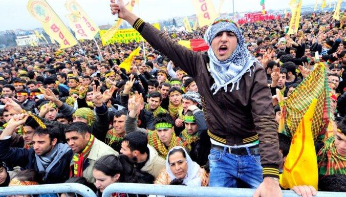 NVO: Sīrijā notiekošajos protestos gandrīz 3000 cilvēku aizturēti un pazuduši bez vēsts