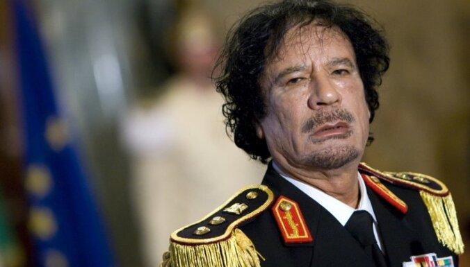 Gads kopš Kadafi nāves: jauni fakti par diktatora pēdējiem dzīves mirkļiem