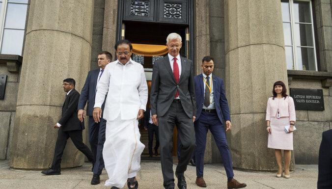 Kariņš rosina Latvijā atvērt Indijas vēstniecību