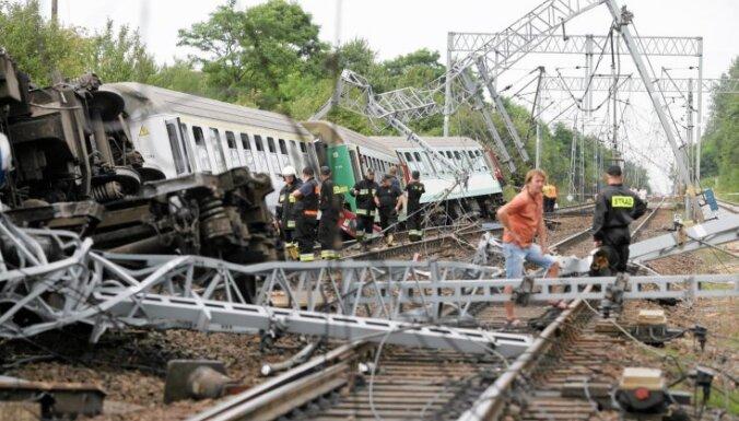 Крушение поезда в Польше: пострадали более 80 человек