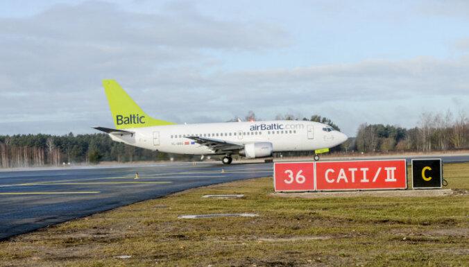 Ar 'airBaltic' Oslo pieķertajiem apkalpes locekļiem darba attiecības ir pārtrauktas