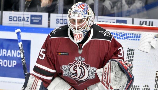 Rīgas 'Dinamo' vārtsargs Makarovs apmierināts ar sezonu Rīgā un grib pagarināt līgumu