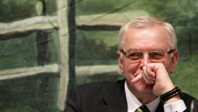 Atbildība par nodokļu politikas reformas atlikšanu gulstas uz 'Vienotības' pleciem, pārliecināts Brigmanis