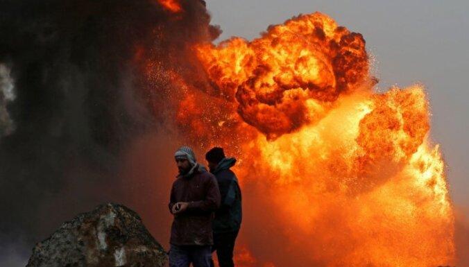 'Daesh' Irākas ziemeļos pielaiduši uguni naftas urbumiem