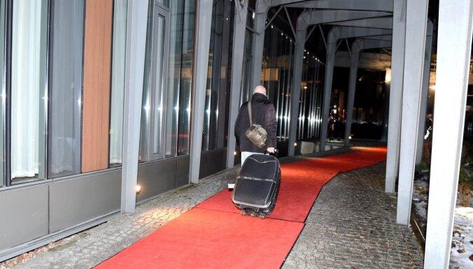 Самоизоляцию в гостиницах выбирает около 100 человек в месяц