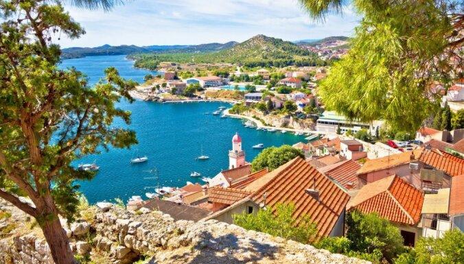 Skaists ceļojumu galamērķis – pārsteidzošā Horvātijas pilsēta Šibenika