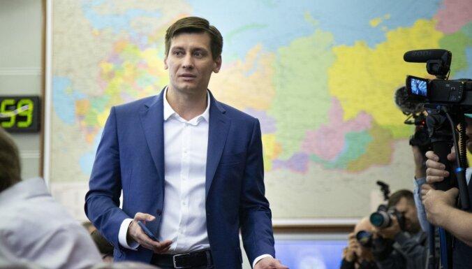 Krievijas opozīcijas politiķis Gudkovs aizbēdzis uz Ukrainu