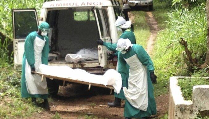 Ebolas vīruss var izplatīties kā meža ugunsgrēks, brīdina ASV