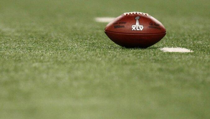 Amerikāņu futbolā par pazemojošiem izlēcieniem grib piešķirt soda sitienu