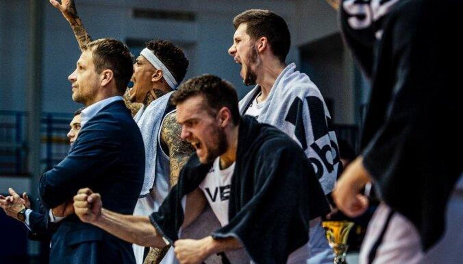 'VEF Rīga' finālsērijas aizraujošākajā spēlē kļūst par Latvijas čempioniem