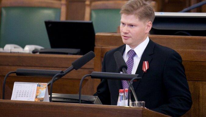 Сергей Потапкин: Власть одела страну в серое