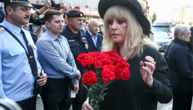 Foto: Krievijas elite atvadās no Josifa Kobzona