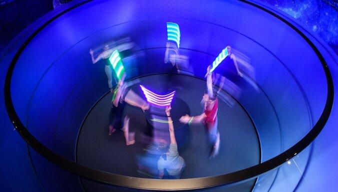 Центрифуга для человека и симулятор лунной поверхности: в тартуском научном центре AHHAA открылась новая выставка
