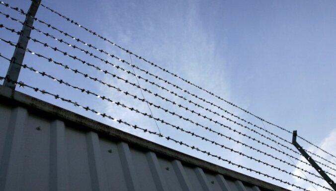 Tiesa nepiedzen 1000 latu kompensāciju par blaktīm cietuma kamerā