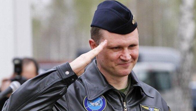 Командующий ВВС Литвы уволен за предложение отремонтировать вертолеты в России