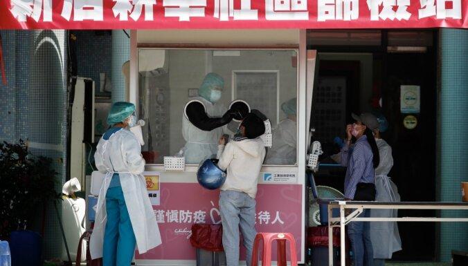 Japāna sanikno Ķīnu, dāvinot Taivānai vairāk nekā miljonu Covid-19 vakcīnu