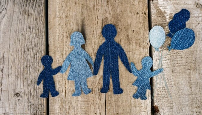 Неженатые пары останутся вне закона: Сейм отклонил закон о сожительстве