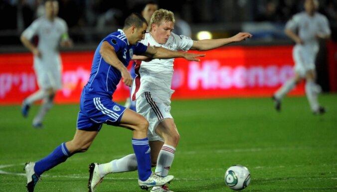 Latvijas futbola izlase zaudējusi vēl vienu pozīciju FIFA rangā; Nīderlande kļūst par līderi