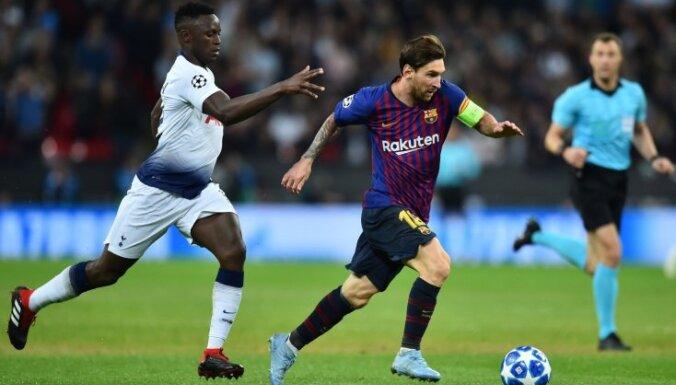 'Barcelona' apsteidz Madrides 'Real' Spānijas futbola čempionāta līderpozīcijās