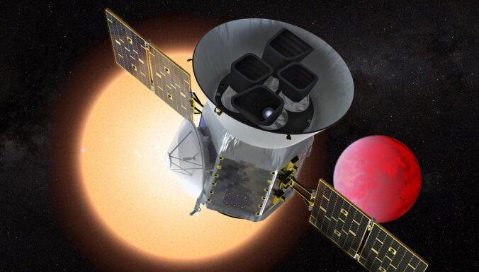 SpaceX успешно запустила космический телескоп для поиска экзопланет