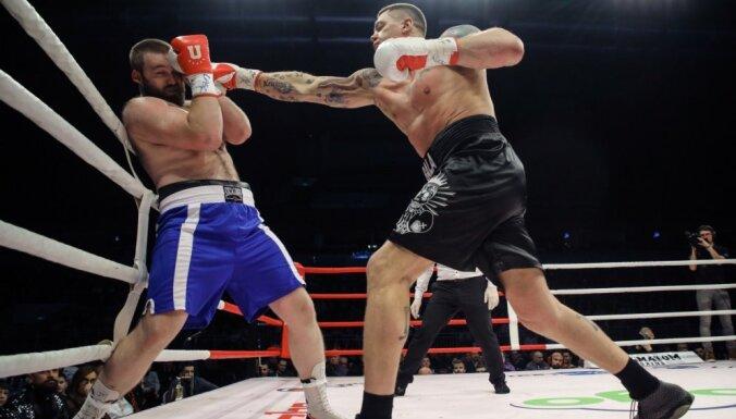 Победное возвращение Камбалы в бокс: экс-баскетболист нокаутировал белоруса