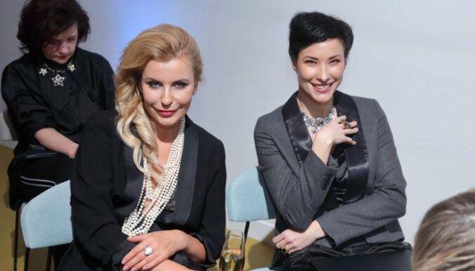 Foto: Īstie stila gardēži pulcējas Modes balvas pasniegšanas ceremonijā