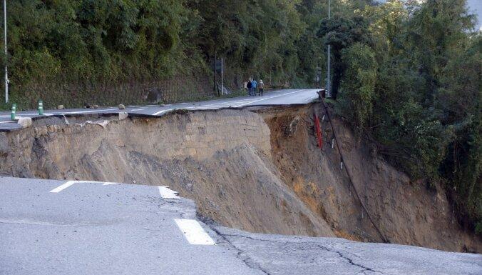 """ФОТО, ВИДЕО: Ураган """"Алекс"""" привел к жертвам в Италии и во Франции"""