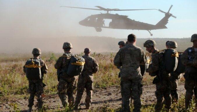 НАТО перебросит еще 4 000 военных к границам РФ