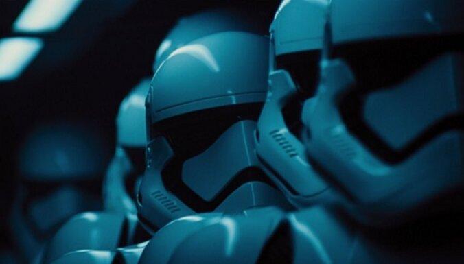 Fakti un atmiņas. 'Zvaigžņu kari': Spēks mostas rindā pie kinoteātra