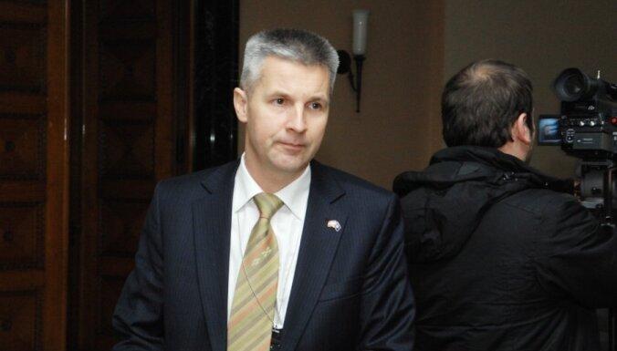 Pabriks: Latvijas likumdošanu nevar balstīt uz stereotipiem un idejām par politikas un baznīcas vienotību