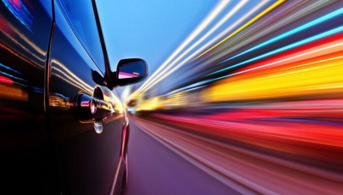 Женщины в Латвии чаще покупают Volkswagen и Nissan, мужчины - Audi и Volvo