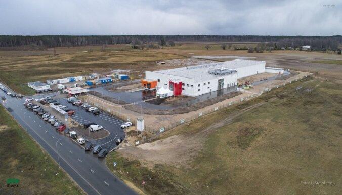 Foto: Ādažos būvē jauno 'Laimas' fabriku