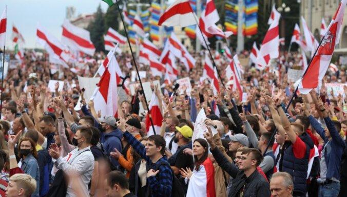 Месяц протестов в Беларуси. Чего (не) добились их участники
