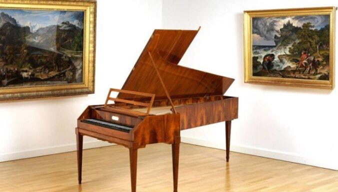 'Lielajā dzintarā' skanēs vēsturiskas, Zalcburgā darinātas klavieres