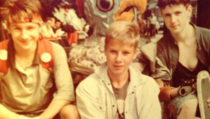 Nils Ušakovs publicējis bērnības foto